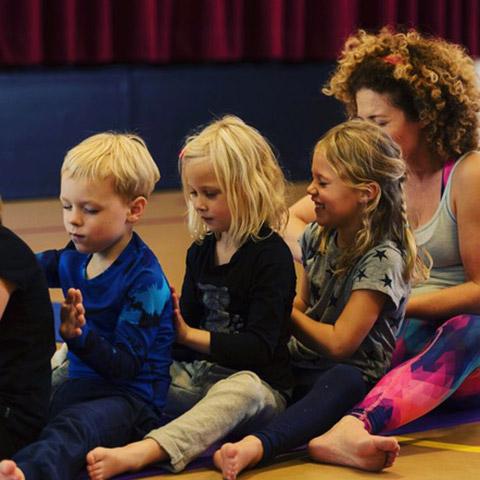 jong-yoga-emmelie-workshops-amstelveen